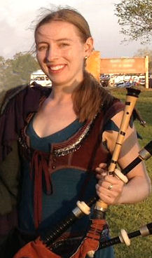 Rosalind Buda - bassoon, smallpipes, Great Highland Pipes, Bombard